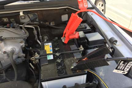 石巻便利屋フォーカスの車バッテリー上がり