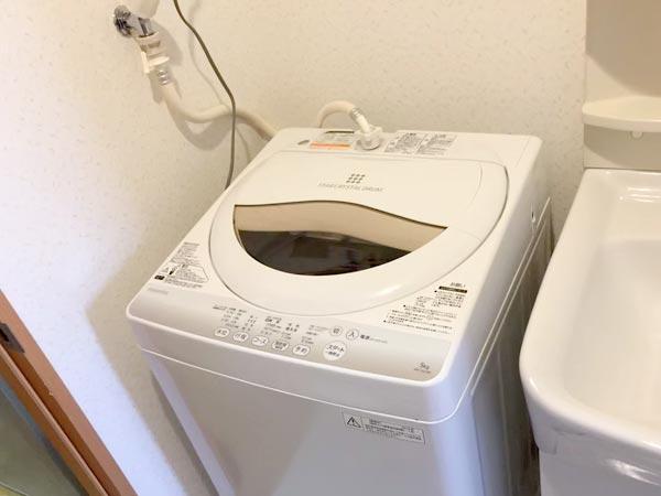 石巻便利屋フォーカスの買い物同行事例紹介写真(リサイクルショップで購入した洗濯機設置完了)