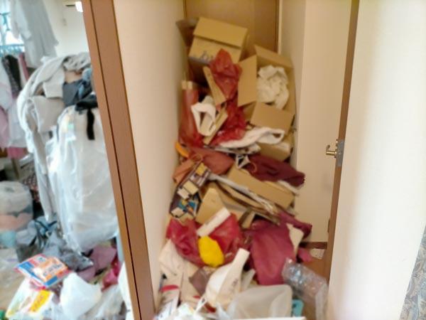 石巻便利屋フォーカスの引っ越し手伝い現場紹介写真(荷造り作業前の廊下の様子)